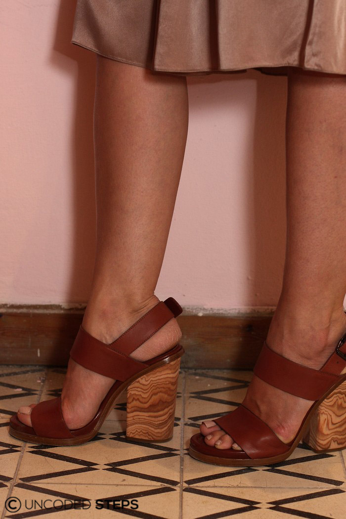 Uncoded Steps Cinderella Syndrome-Stiletto-Sharon Tal Maskit_Straighten