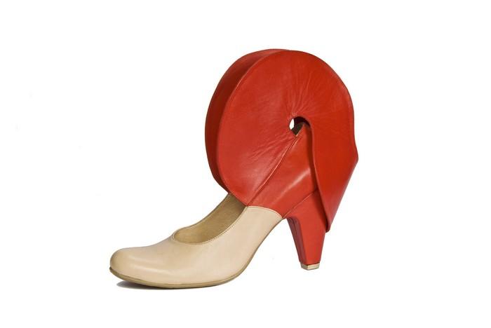 Shani_Bar_Footwear_Design_Venus_Trap_Shoe_Blog_Uncoded_Steps_Fashion_Innovation