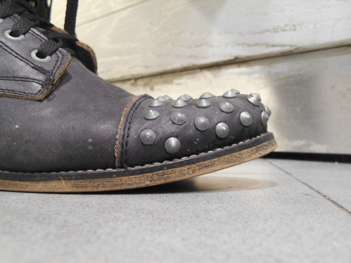 uncoded_steps_shoe_blog_boots-with-studs_shelley_lewis_2