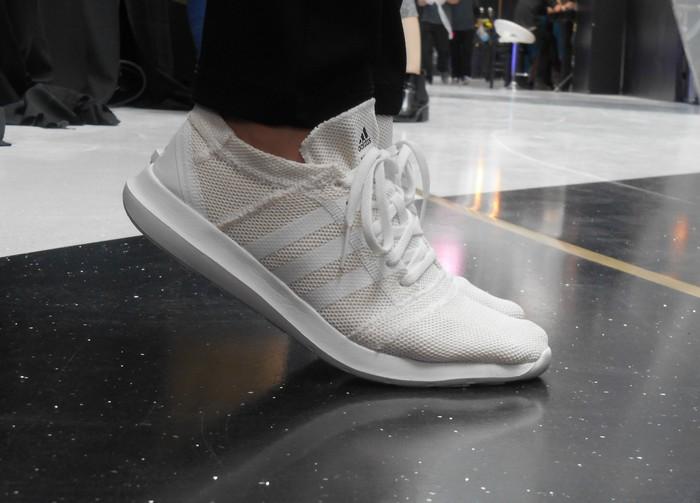 UnCoded-Steps_Shoe-Blog-Shelley-Lewis_שבוע-האופנה-תל-אביב-2017_דמיטרי-זלוקובסקי_בלוג-נעליים_אדידס