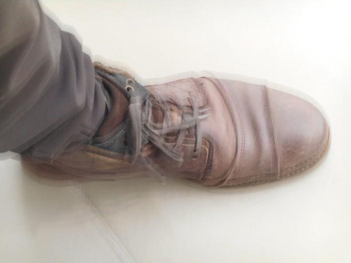 Uncoded-Steps_Shoe-Blog_-שלי-לואיס-נעליים-בתערוכת-אמנות-בלוג_1