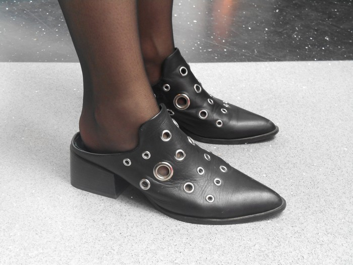 Uncoded-Steps_Shoe-Blog_Shelley-Lewis_TLV-Fashion-Week-2017_Sol-Sana-Au-Shoes_2