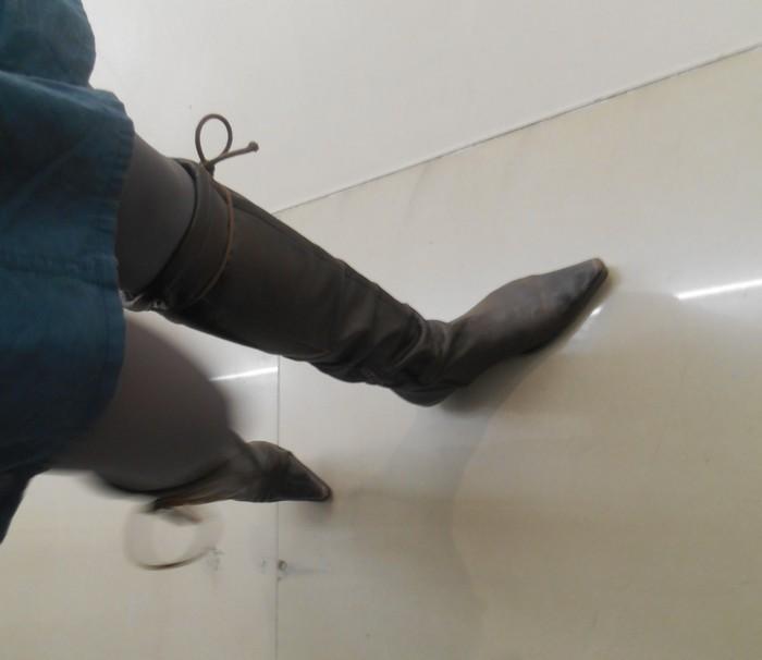Uncoded-Steps_Shoe-Blog_Shellys-Shoes-Londont-TLV_Picture-by-Deva-Melman-נעליים-בתערוכת-אמנות-בלוג_10_cr