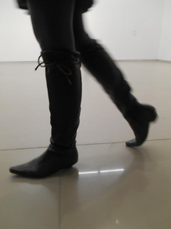 Uncoded-Steps_Shoe-Blog_Shellys-Shoes-Londont-TLV_Picture-by-Deva-Melman-נעליים-בתערוכת-אמנות-בלוג_15