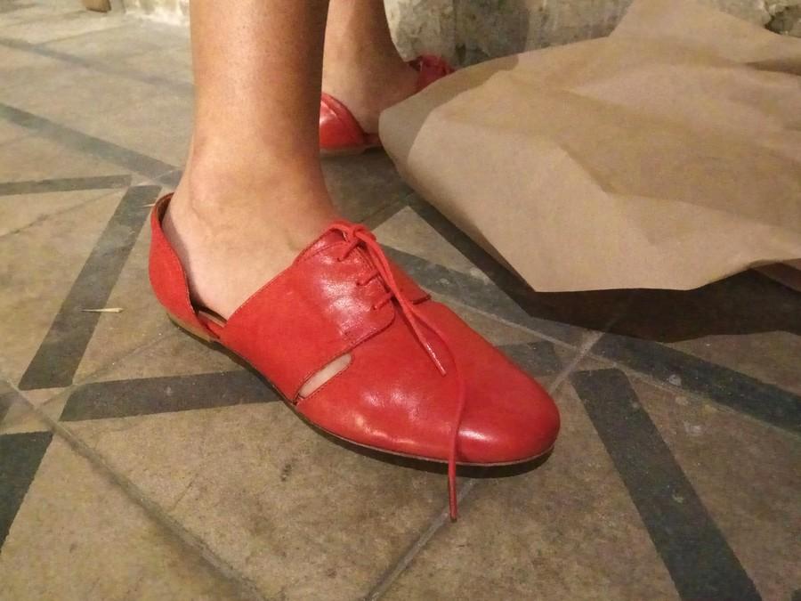 נעליים אדומות